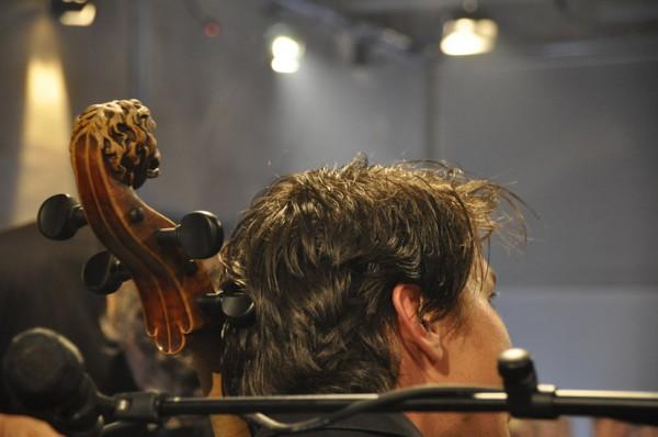 Bartolomeys Cello ist Jahrgang 1727 und trägt einen Löwenkopf