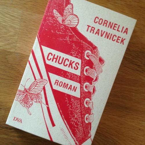 Zu gewinnen: Cornelia Travnicek, Chucks, DVA