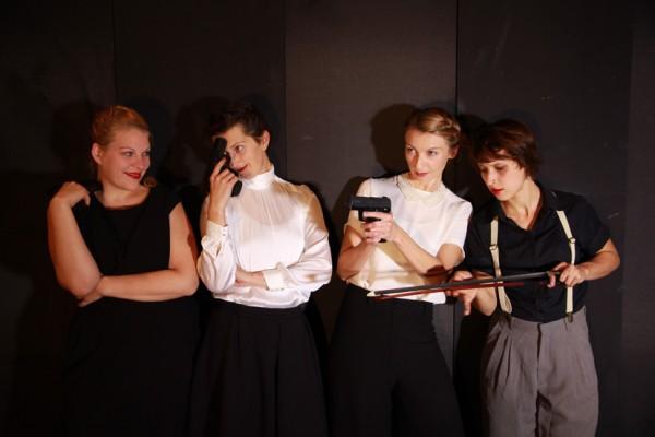Ayla Antheunisse, Katarina Csanyiova, Julia Kronenberg und Lisa Weiss; Foto: ©transit