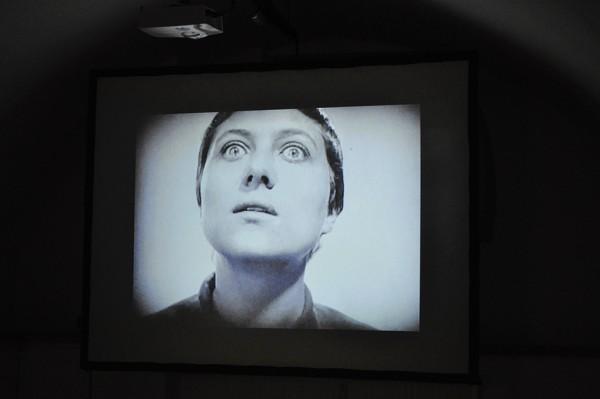 Innstraße 35-37: Jacob Cartwright & Nick Jordan, The Emotions of Others, Videoinstallation, 2015