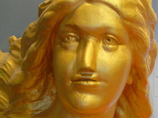 Diese Holde steht im deutschen Schiffahrtsmuseum. Foto: Doerte Behrmann