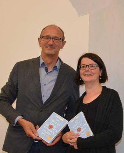 Bürgermeister und Alpinarium-Geschäftsführer Toni Mattle und ich. (Foto: © Alpinarium)