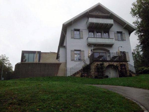 """Das """"Franz Marc Museum"""" in Kochel am See wurde 2008 um einen Zubau erweitert."""